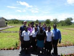 Delegasjonen med de ansatte.